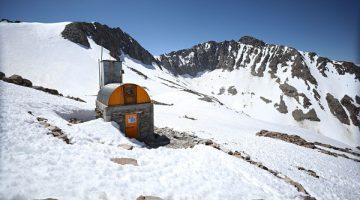 Refugio-DGA-Glaciar-Echaurren-octubre-2020-2_opt